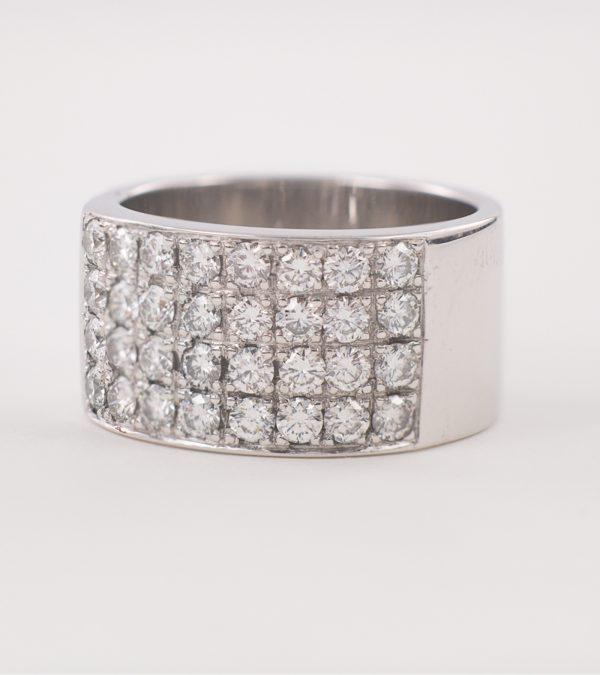 Anillo oro blanco con 32 diamantes