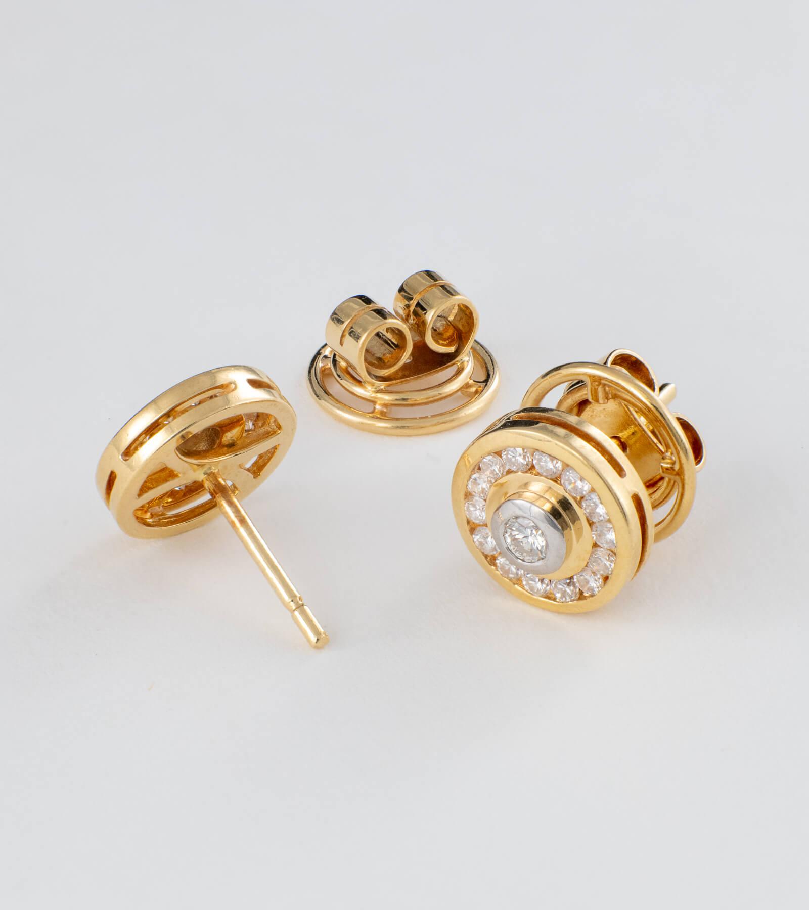 Pendientes con Diamantes y Oro Amarillo